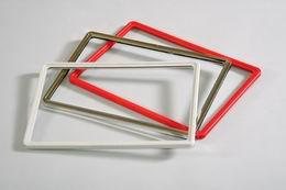Plastový rámeèek  A4 šedobílý